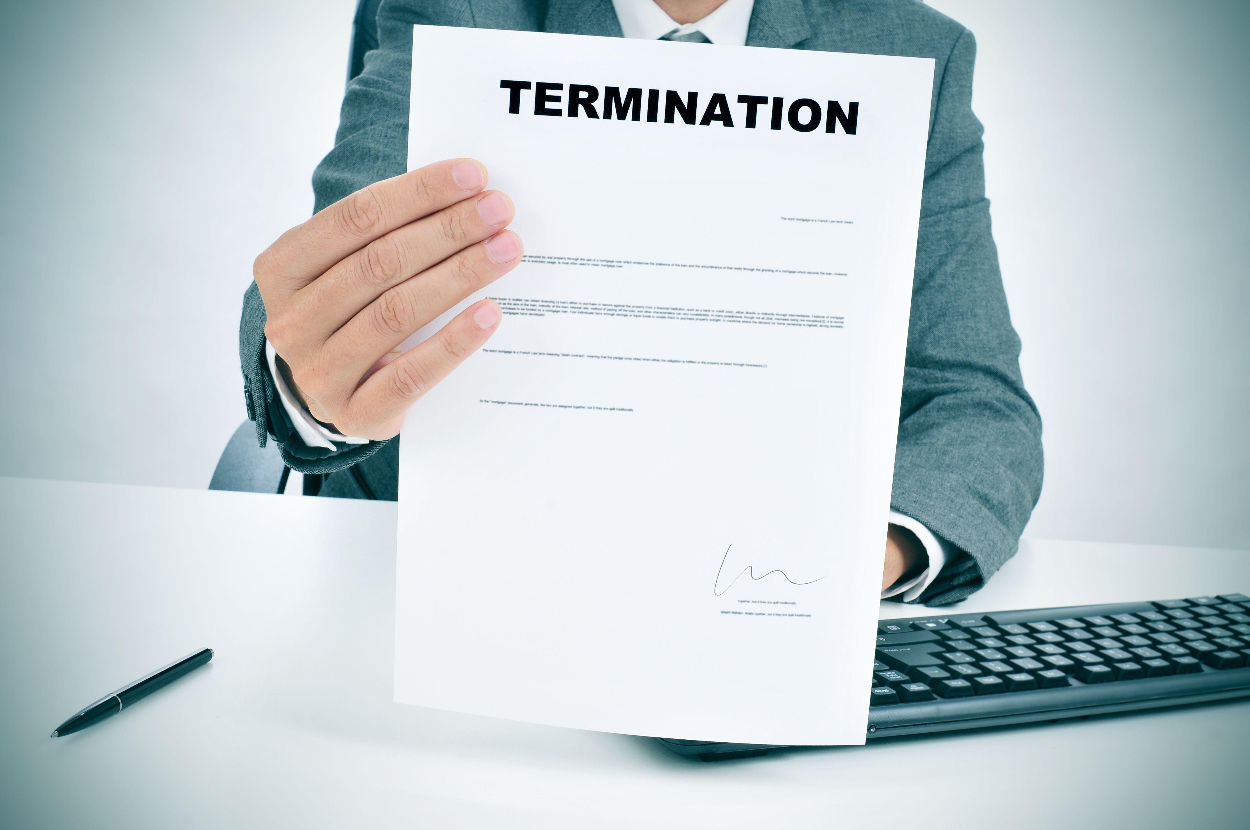 unfair dismissal Unfair dismissal的中文意思:不公平解雇,点击查查权威在线词典详细解释unfair dismissal的中文翻译,unfair dismissal的发音,音标,用法和例句等。 不公平解雇 不公正.
